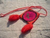 ウイチョール族 刺繍小さいポシェット