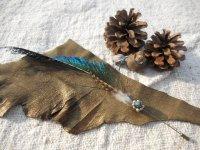 天然石と羽根のハットピン ✳︎ミネラル&フェザー ピン